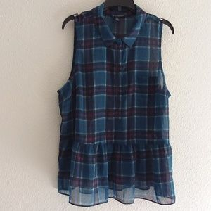 American Eagle Outfitters plaid top size large